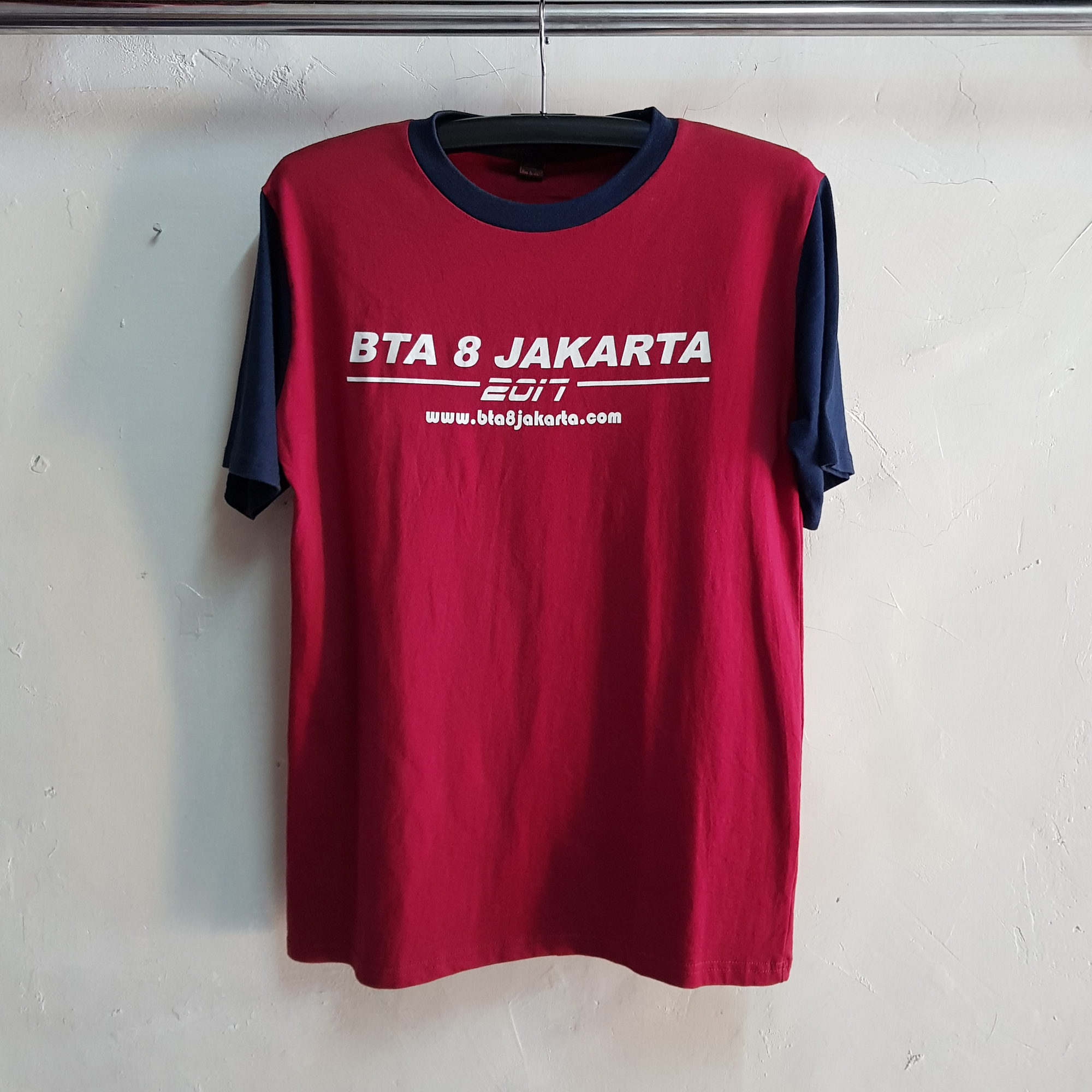 T-Shirt College BTA8, Seragam Kaos Kelas