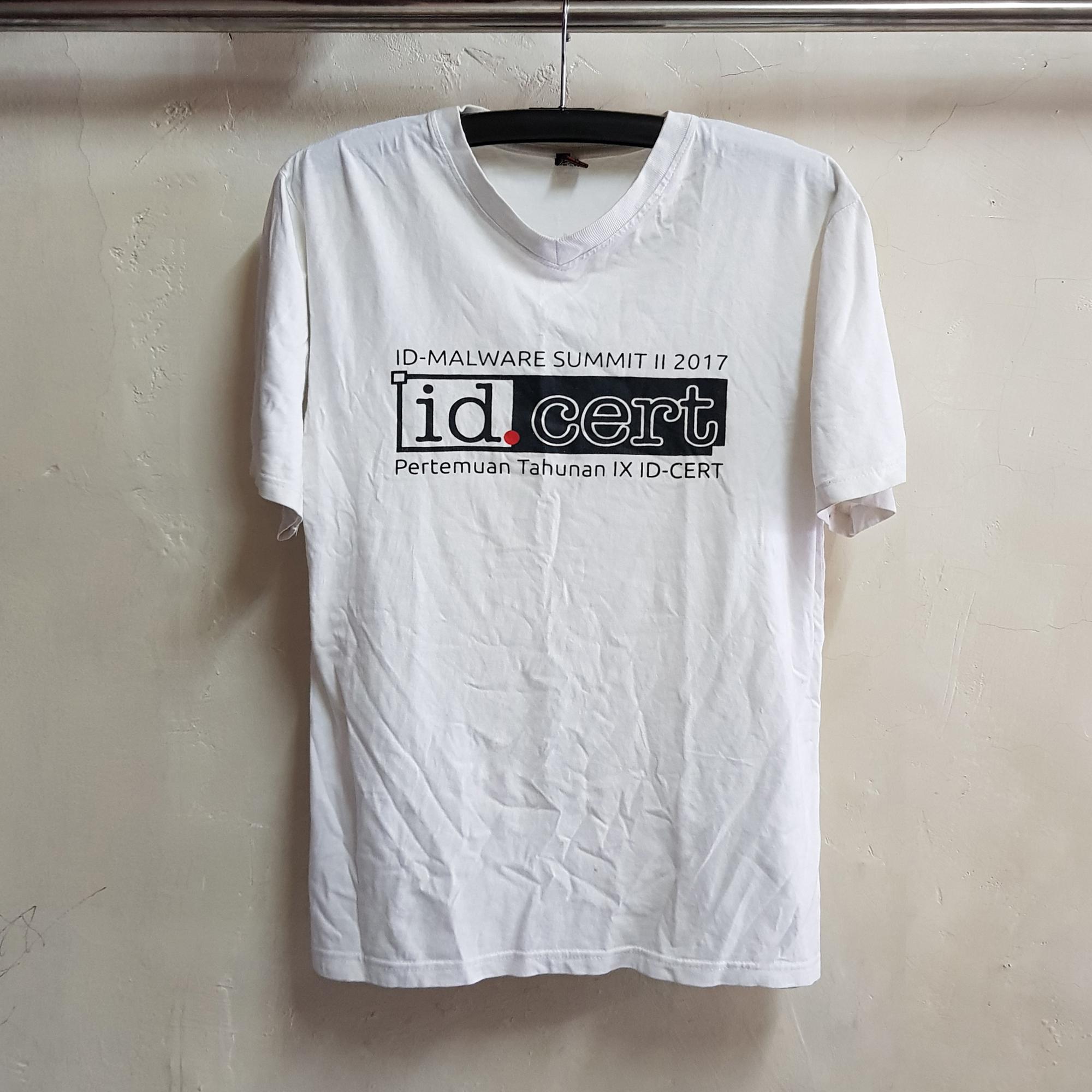 T-Shirt V-Neck Sablon Rubber, Id Cert